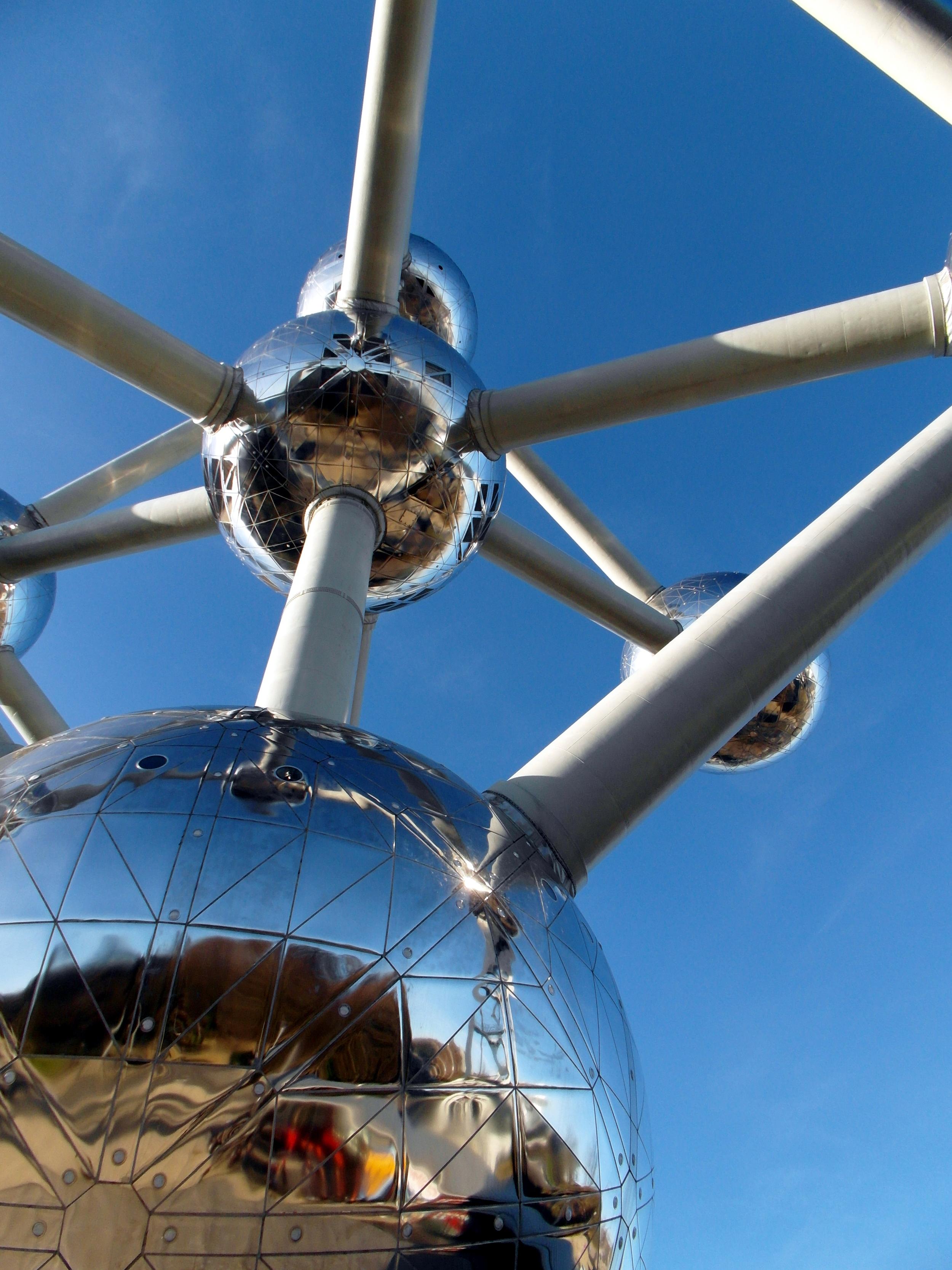 Atomium Close 2_SAM_1369.JPG