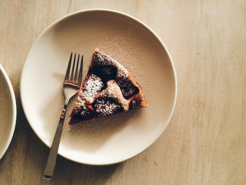 strawberry cake 5.jpg