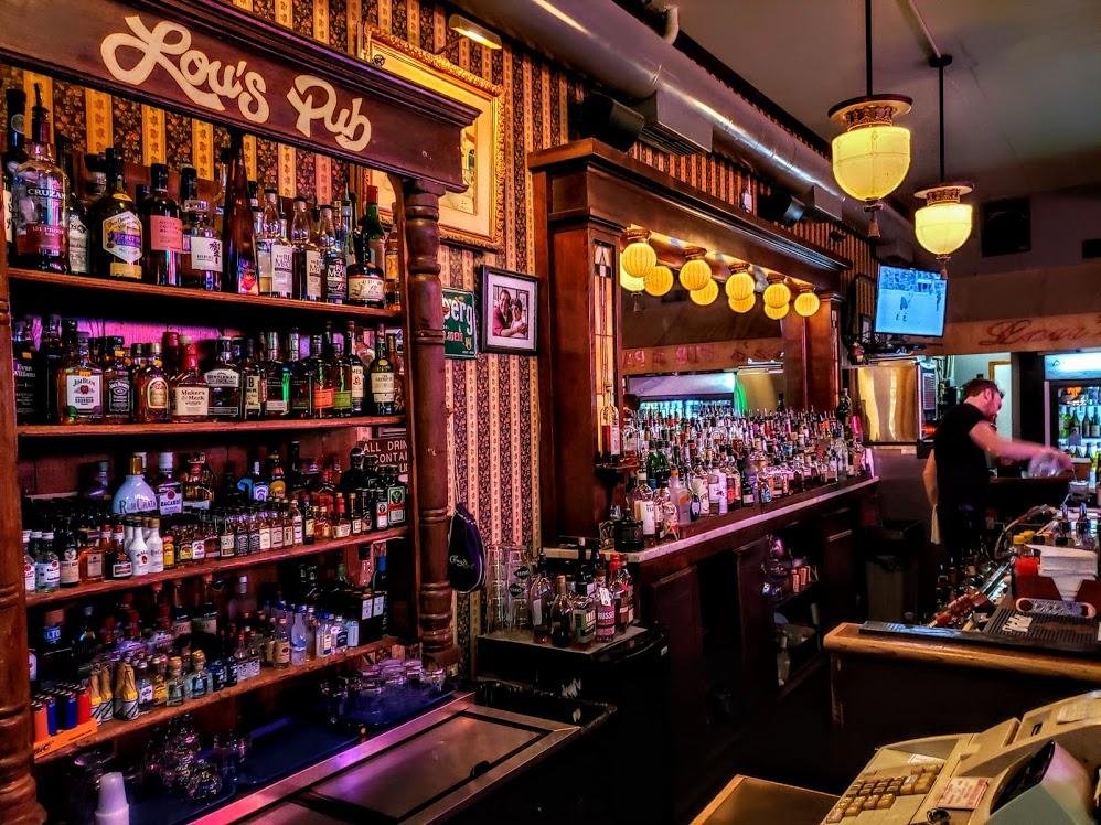 Lous Pub.jpg