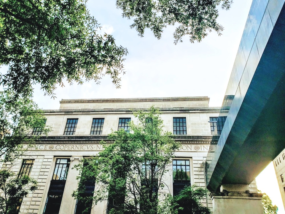 Linn Henley Library 2.jpg
