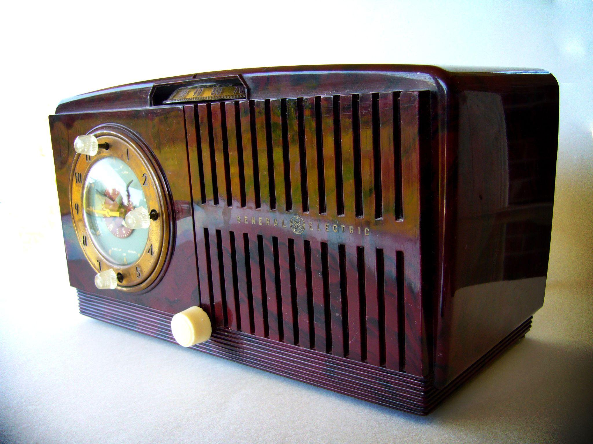 GE 515F Kitchen Radio.jpeg