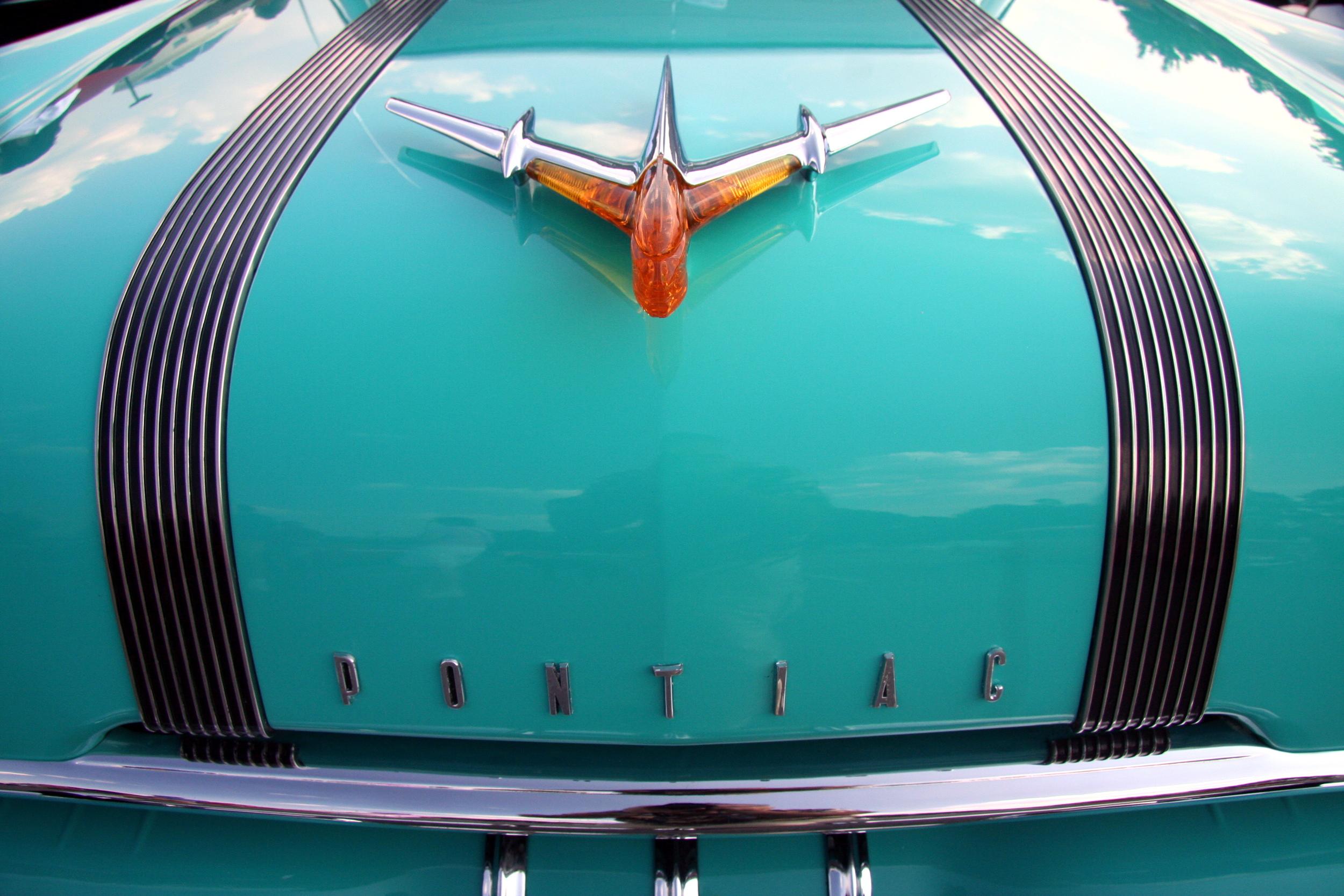 1955 Pontiac Starchief Hardtop.jpg