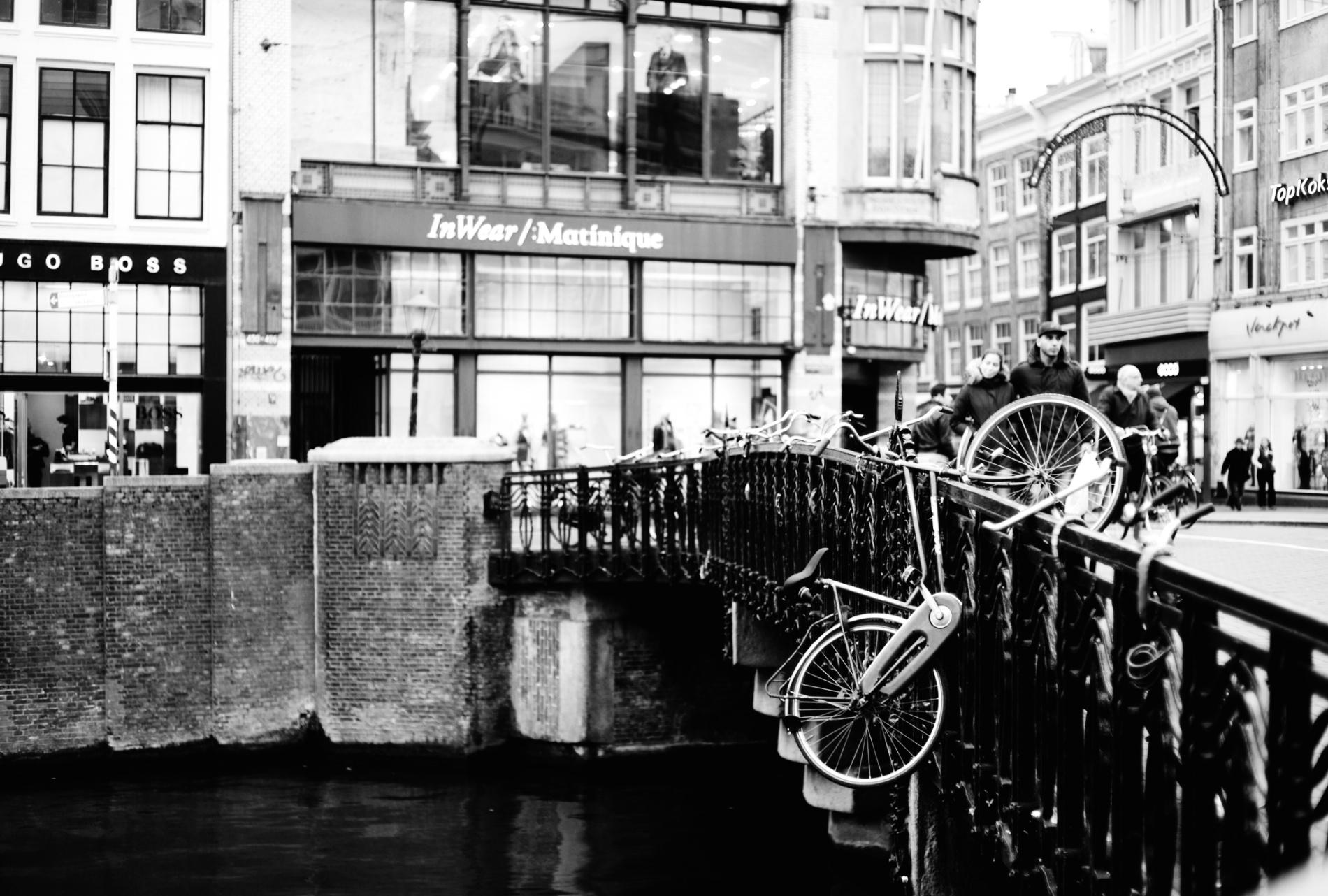 2011-11-07 at 22-53-55, street amsterdam.jpg