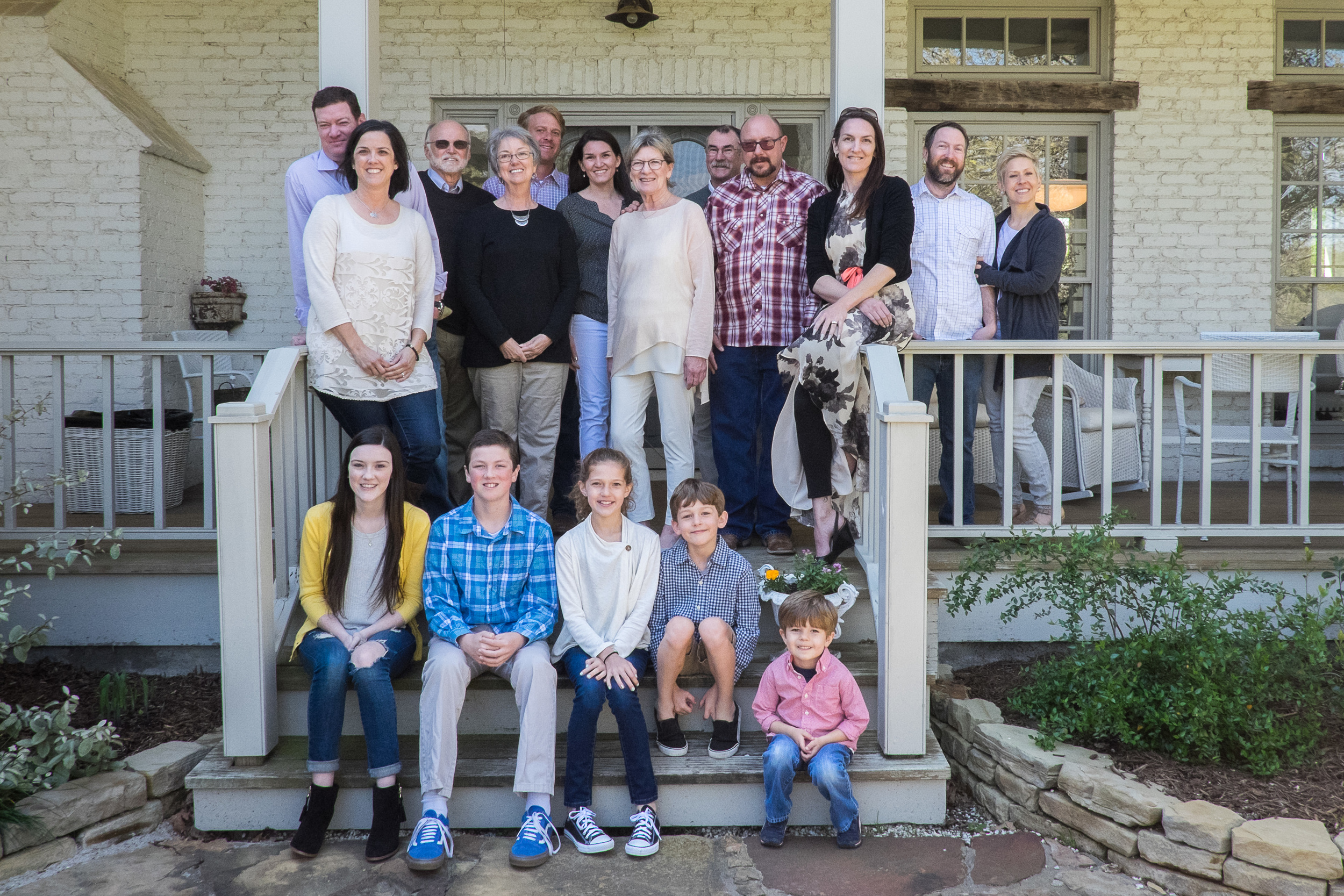 Oh yes, I did.  I subjected all of our Texas family to a group portrait.  And we'll do it all again when we can include Aunt Sandy, Aunt Maureen and Uncle Mel.   The lucky devils.