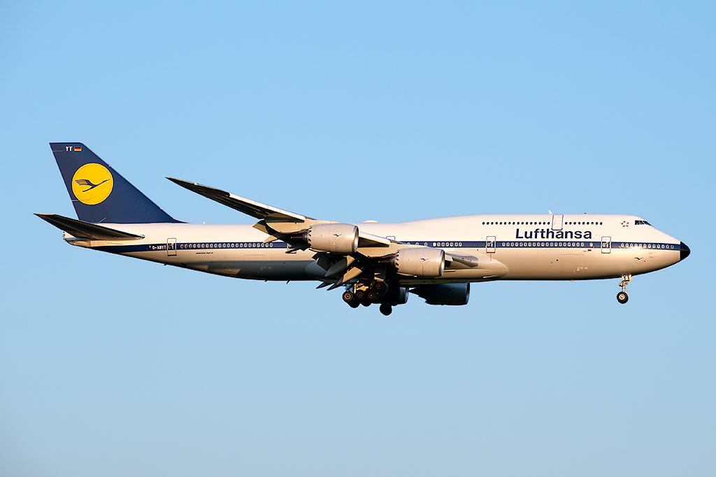 D-ABYT_Lufthansa_748_JFK_081415.jpg