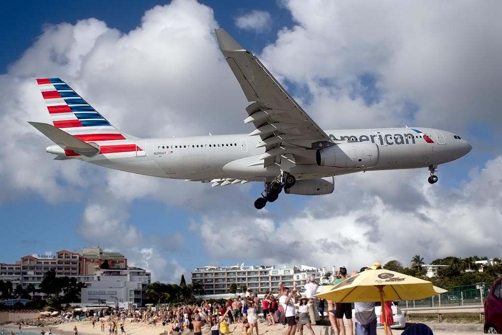 n290AY_AA_A330_SXM_010216_1.jpg