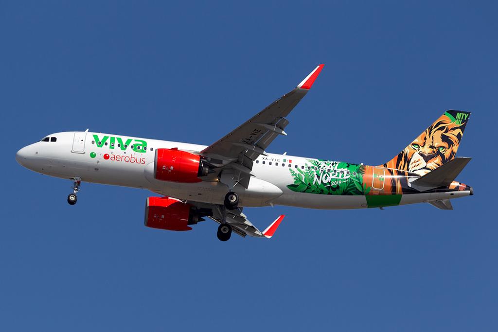 XA-VIA_VIVAAEROBUS_A320_JFK_022819.jpg