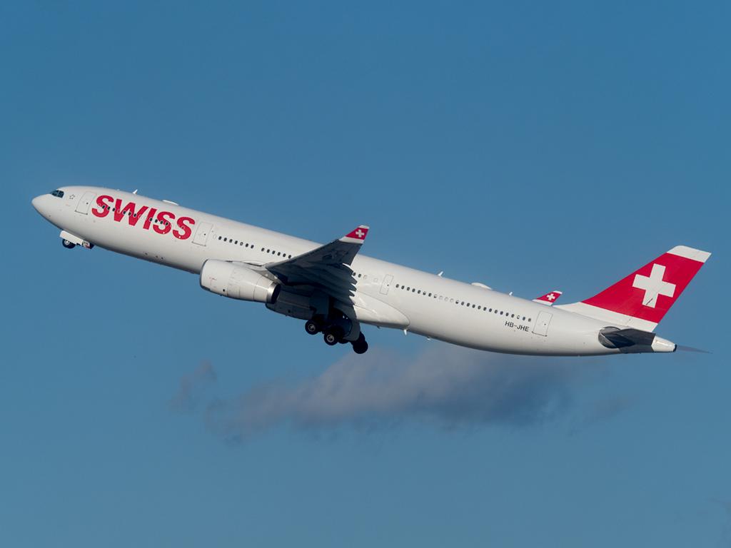 HB-JHE_SWISS_A330_JFK_063019.jpg