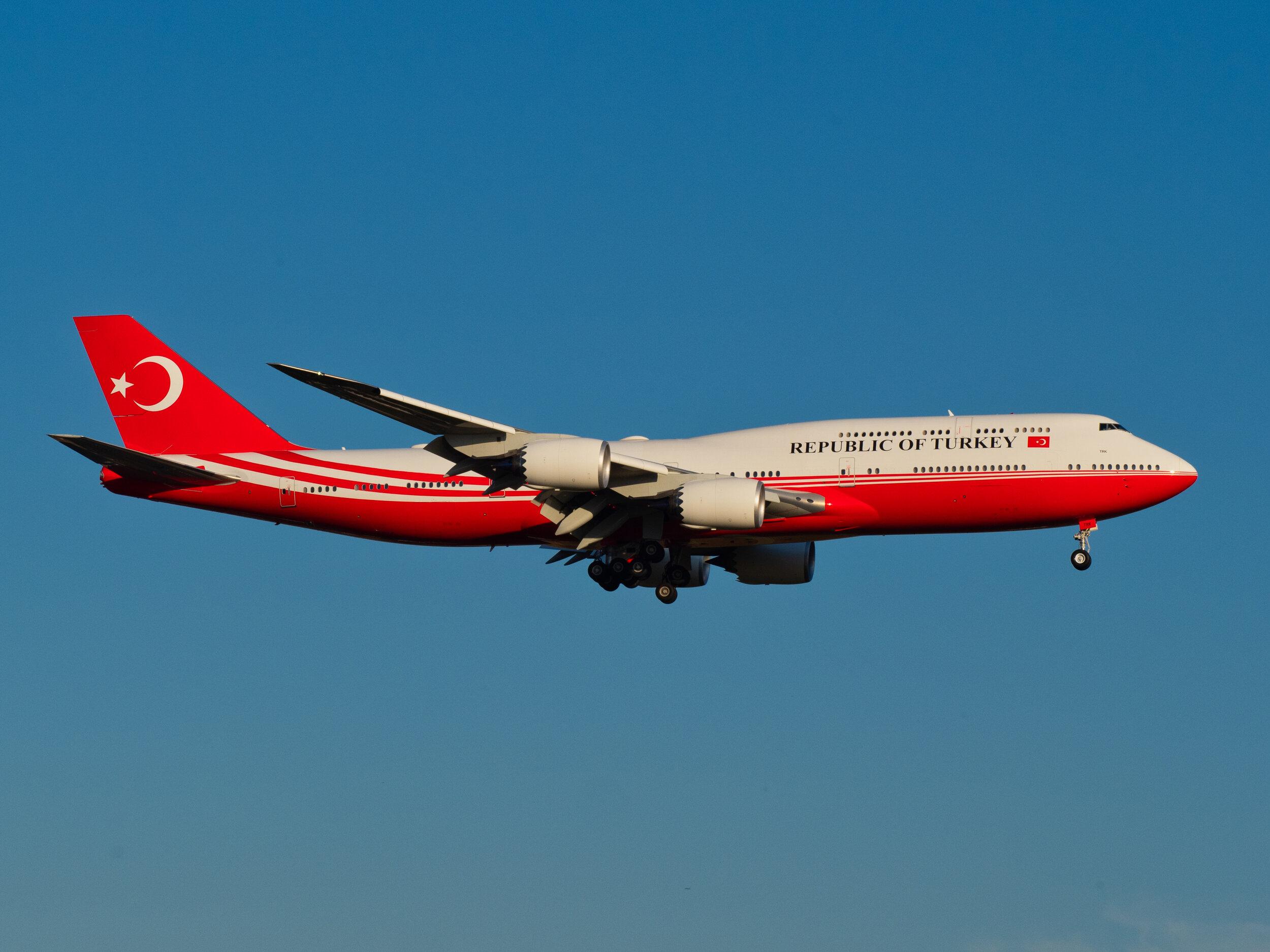 Turkish Government_Boeing_747-8.jpg