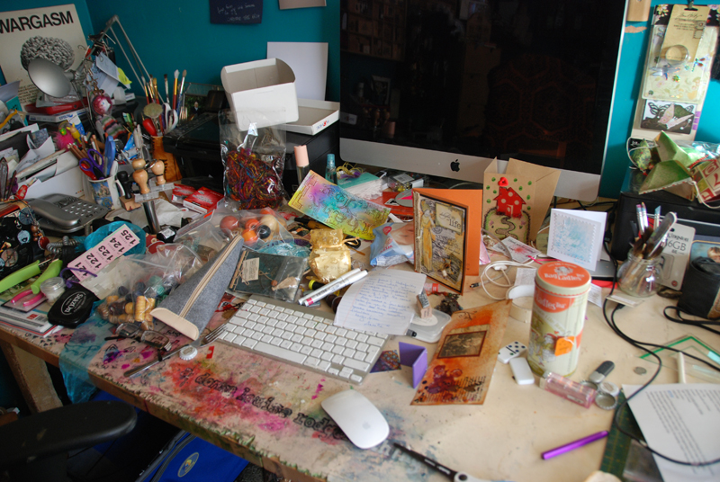 beautiful desk of dripping gorgeousness