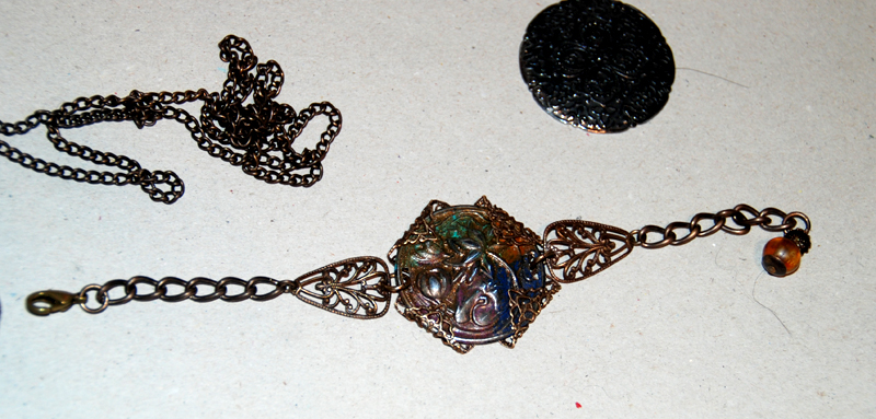 don't forget the lovely chains and beads that create the final finished peices