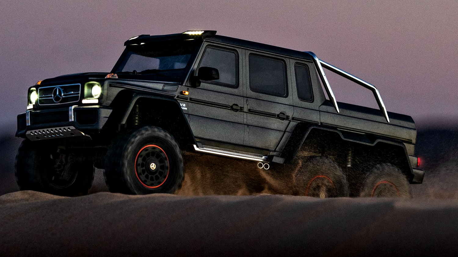 88096-4-TRX4-MB-6x6-Black-dune-left-night-DX1I7929.jpg