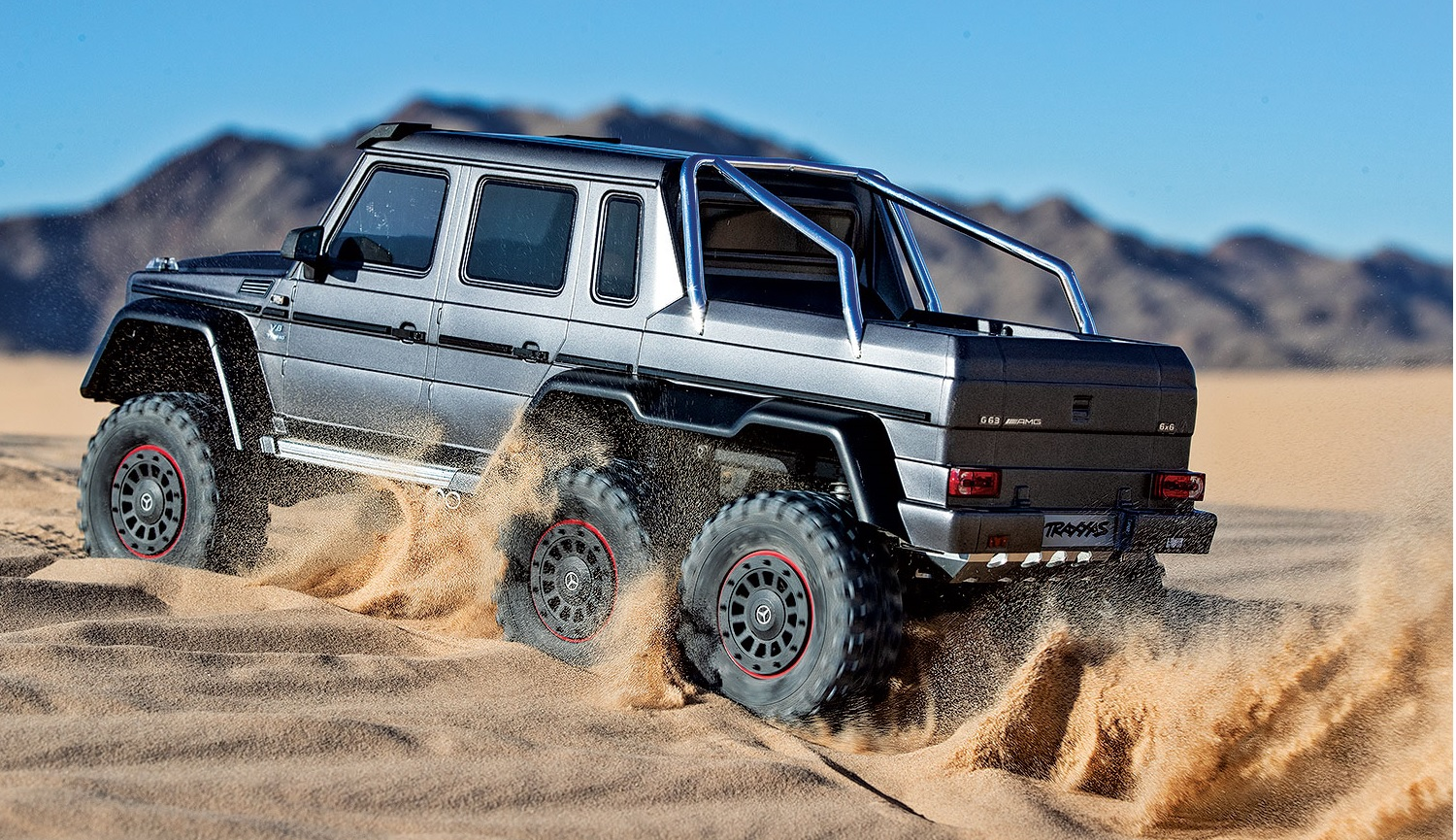 88096-4-TRX4-MB-6x6-Silver-dunes-3qtr-rear-left-DX1I8411.jpg