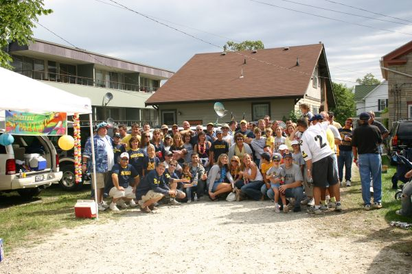 September 2, 2006: Rain kept us off of the golf course and moved us to Tailgate Girl's backyard. Michigan defeatts Vanderbilt 27-7, their first of 11 straight victories to start the 2006 season.
