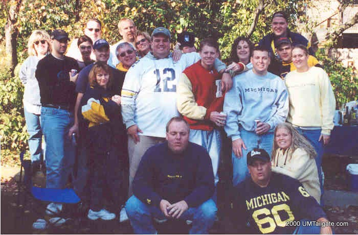 November 4, 2000: Group picture in Evanston before Michigan fell 54-51 to the Wildcats in a shootout.