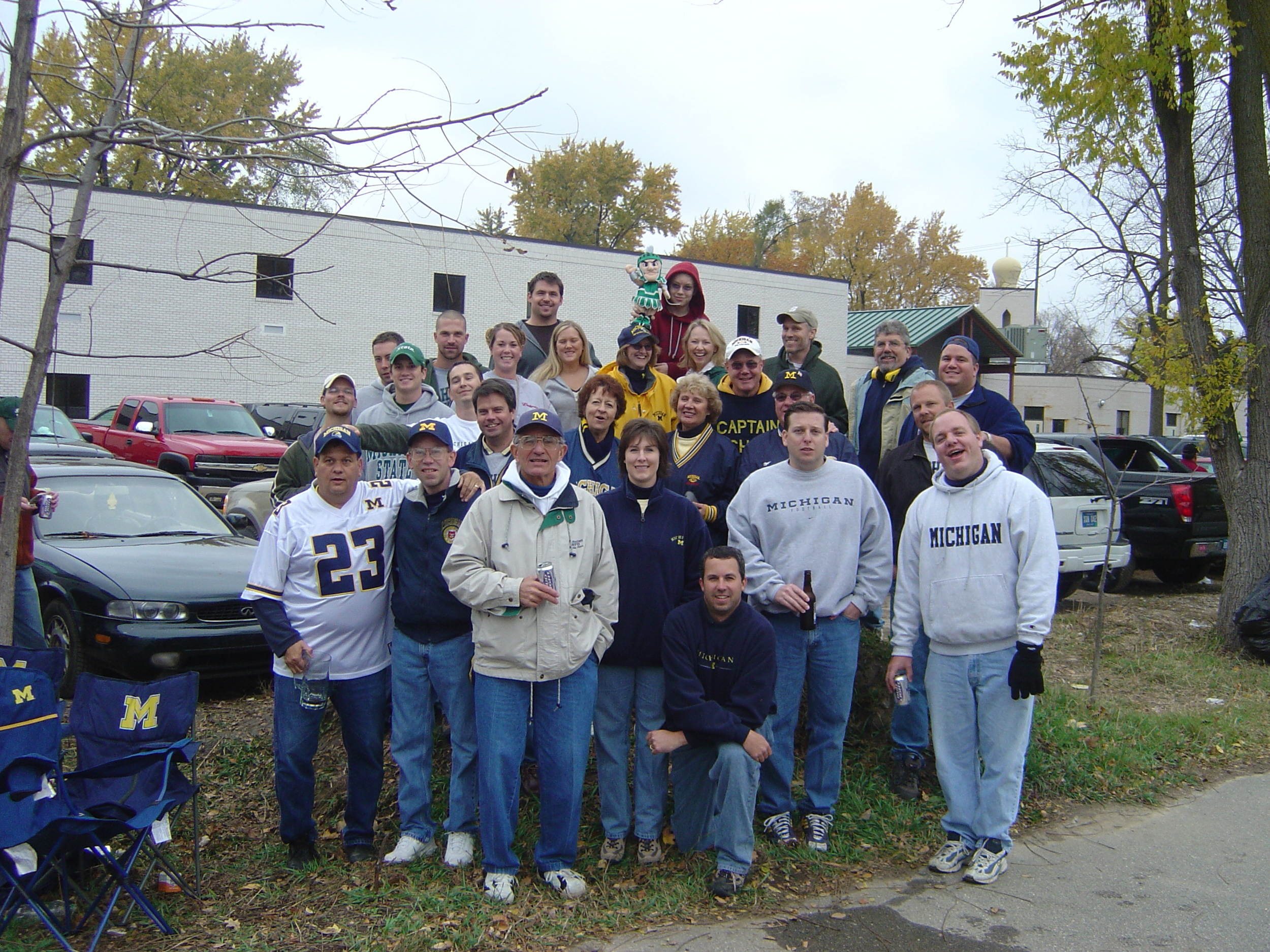 November 1, 2003:  We assemble for a group picture before Michigan holds off Sparty 27-20