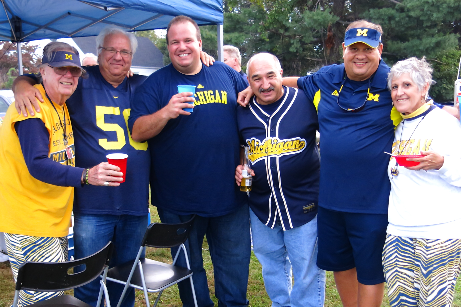 9/21/13 Michigan 24-UCONN 21  : Frankie, Godfather, and the NYC crew pose for a group picture in Storrs.