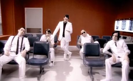"GOOD CHARLOTTE ""Dance Floor Anthem"""