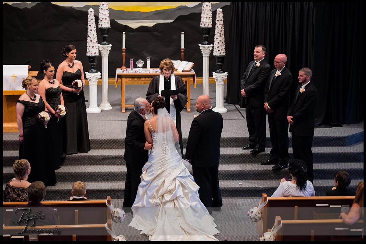 005_wedding_church_ceremony_procession_groom_bride_father.jpg