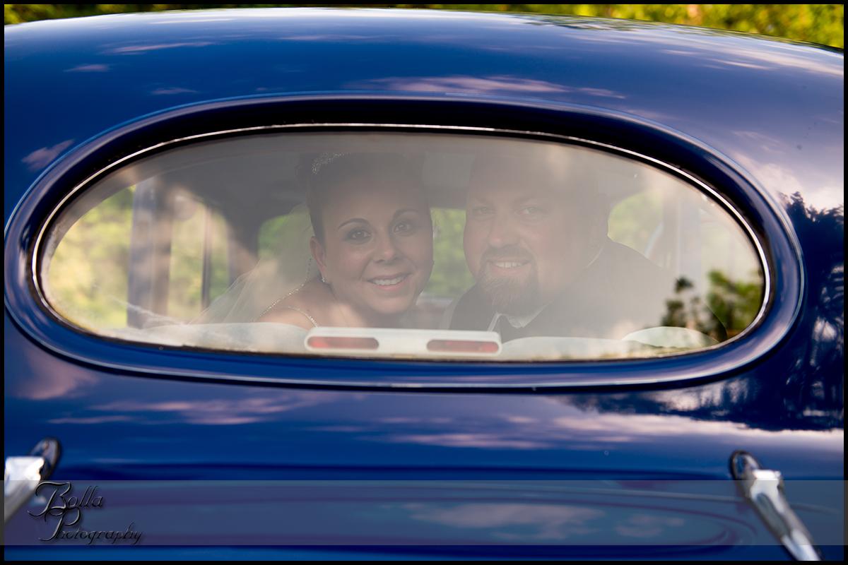 009_wedding_groom_bride_car_packard.jpg