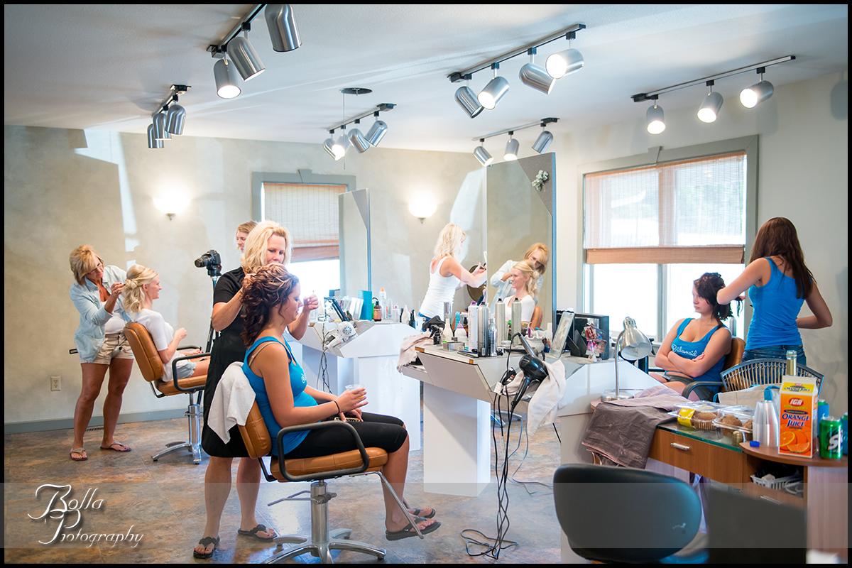 002_Bolla_Photography-wedding-preparations-bride-hair-bridesmaids-Breese-salon-Cutting_Edge-Gerstner.jpg