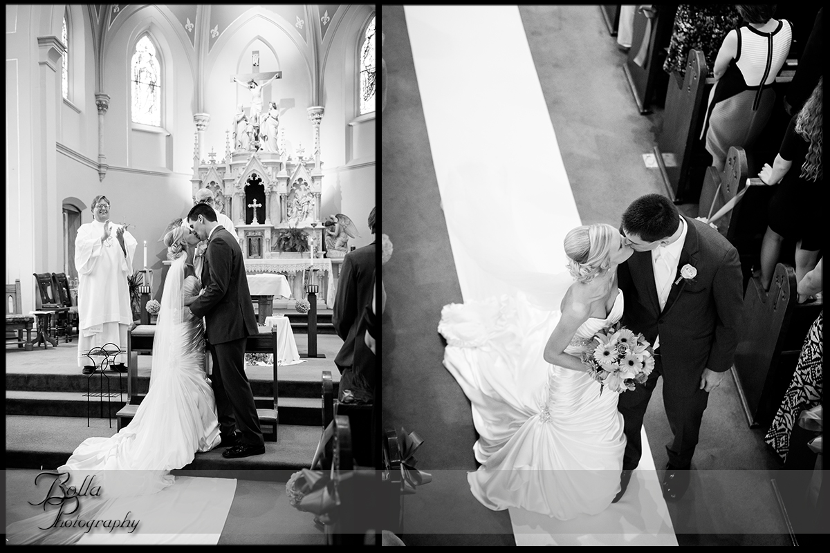 011_Bolla_Photography-wedding-church-Catholic-ceremony-bride-groom-altar-first_kiss-recessional-exit-kiss-Albers-Gerstner.jpg
