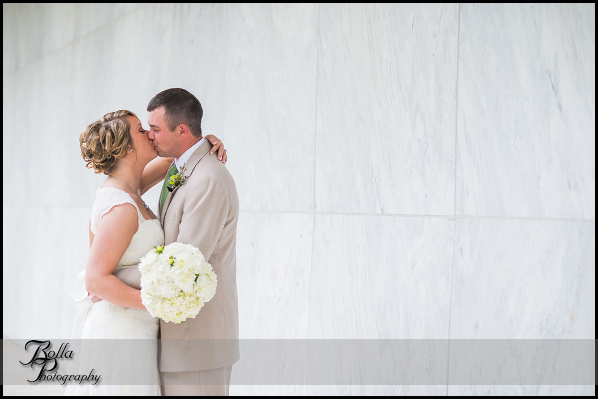 001_Bolla_Photography-wedding-portraits-bride-groom-couple-winery-marble-museum-Mt_Vernon-Wilson.jpg