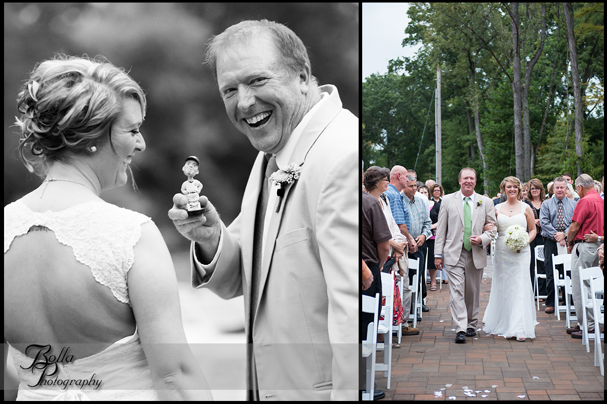 010_Bolla_Photography-outdoor-wedding-fall-ceremony-procession-bride-father-bobblehead-joke-laugh-aisle-winery-Roundhouse-Wine-Centralia-IL-Wilson.jpg