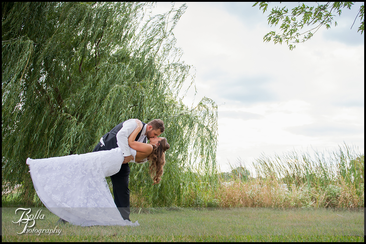 001_Bolla_Photography-outdoor-wedding-fall-portraits-bride-groom-couple-dip-kiss-willow-Mills_Apple_Farm-Marine-Collinsville-Caseyville-Carlton.jpg