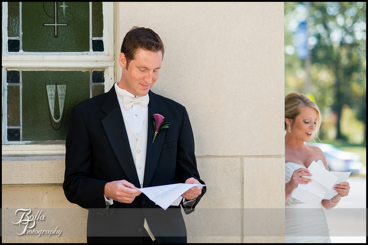 005-Bolla-Photography-wedding-Saint-Louis-MO-STL-bride-groom-first-look-letters-church-Peters.jpg