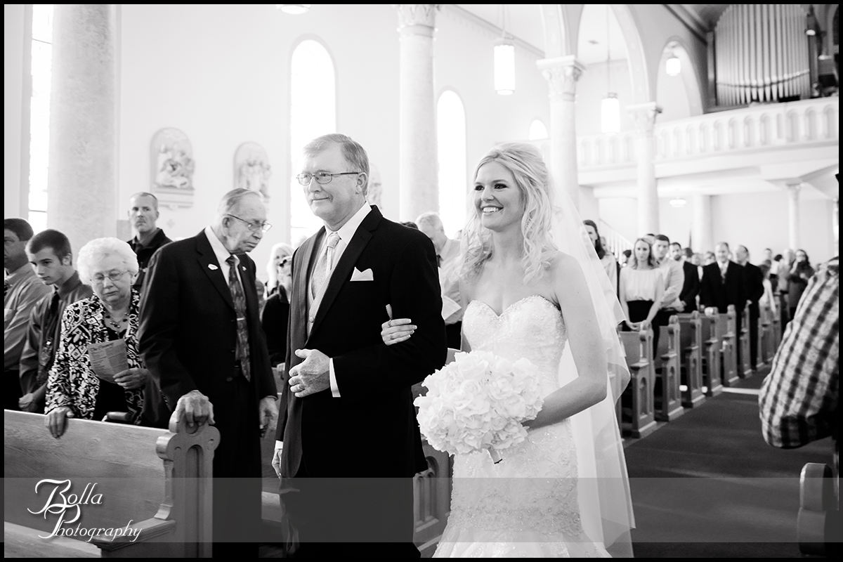 005-Bolla-Photography-wedding-Germantown-IL-ceremony-procession-bride-father-aisle-Albers.jpg