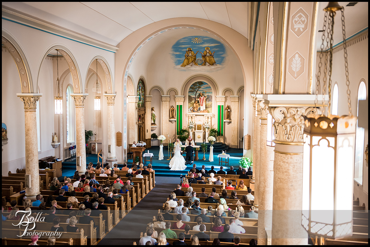 007-Bolla-Photography-wedding-Germantown-IL-ceremony-church-bride-groom-Albers.jpg