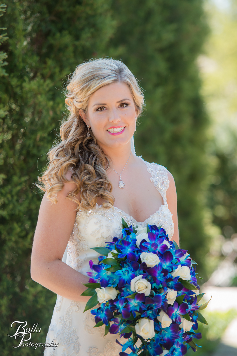 Bolla_Photography_St_Louis_wedding_photographer_Morgando_Blues_hockey_Botanical_Gardens_spring-0049.jpg