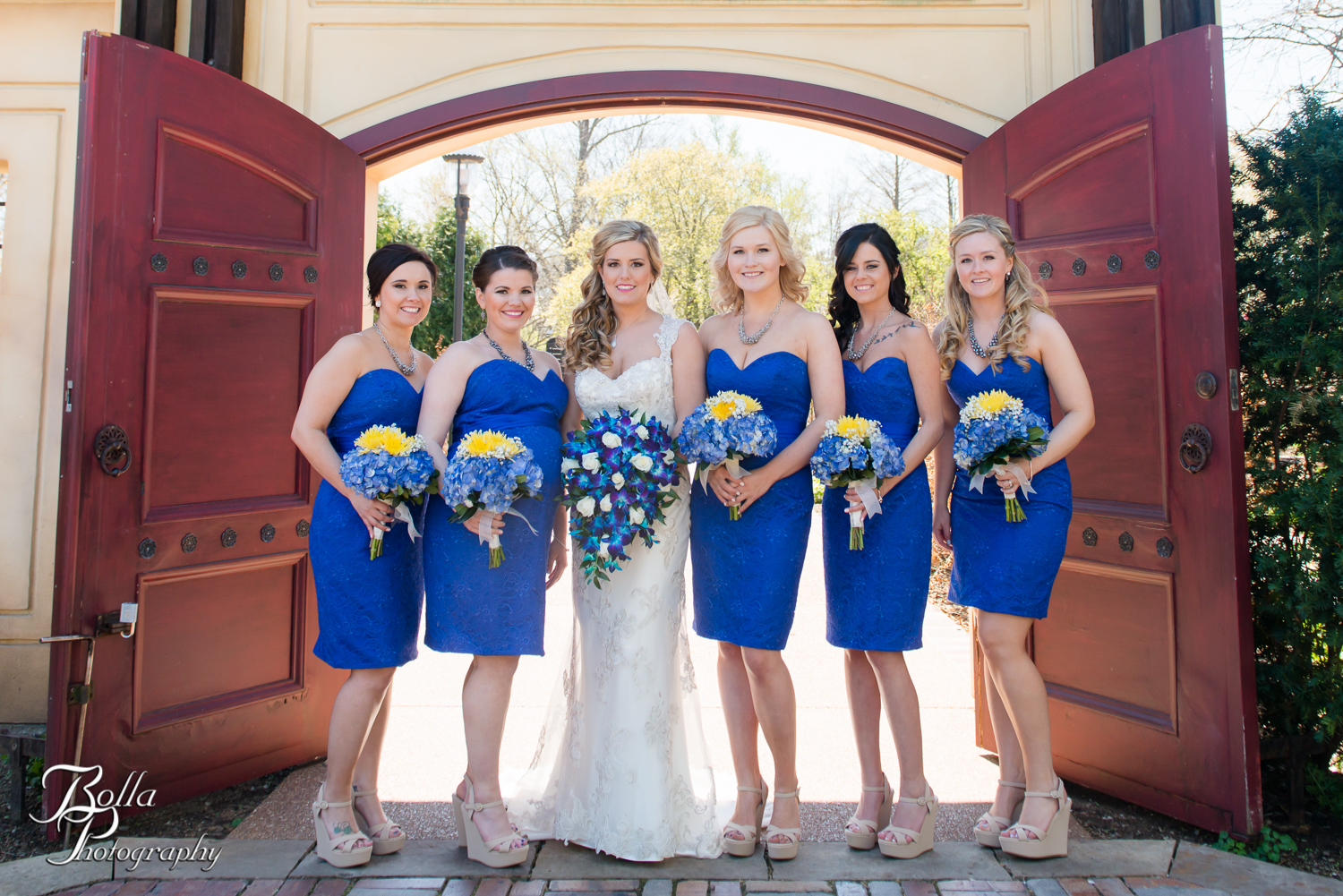Bolla_Photography_St_Louis_wedding_photographer_Morgando_Blues_hockey_Botanical_Gardens_spring-0079.jpg