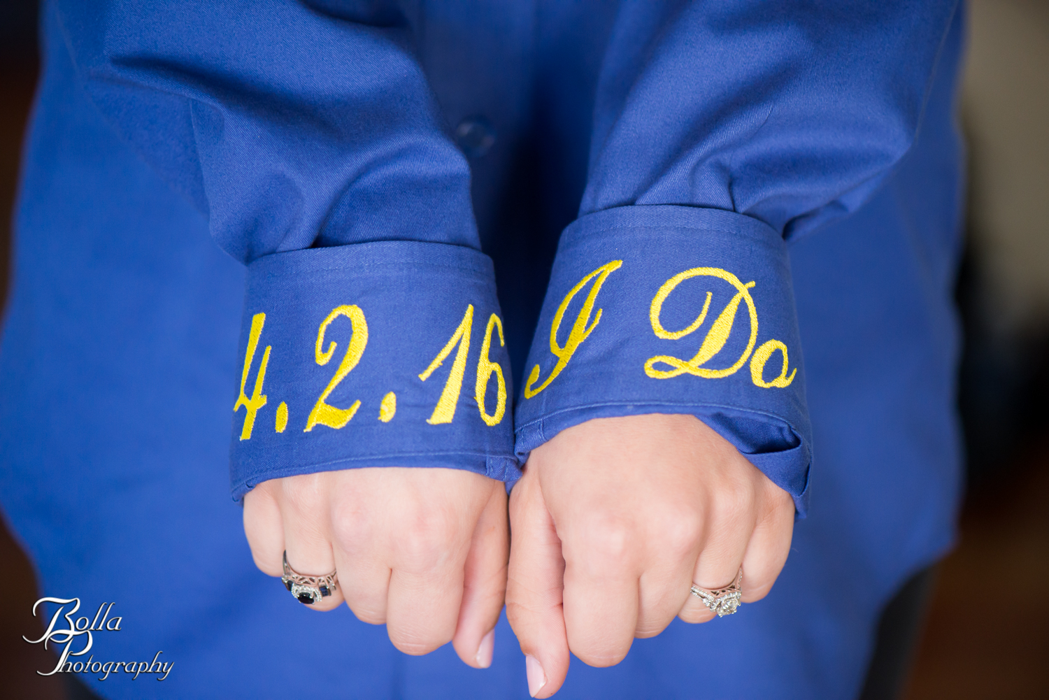 Bolla_Photography_St_Louis_wedding_photographer_Morgando_Blues_hockey_Botanical_Gardens_spring-0030.jpg