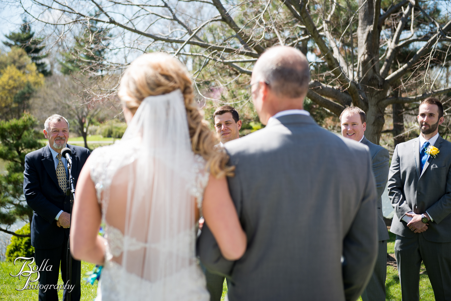 Bolla_Photography_St_Louis_wedding_photographer_Morgando_Blues_hockey_Botanical_Gardens_spring-0180.jpg