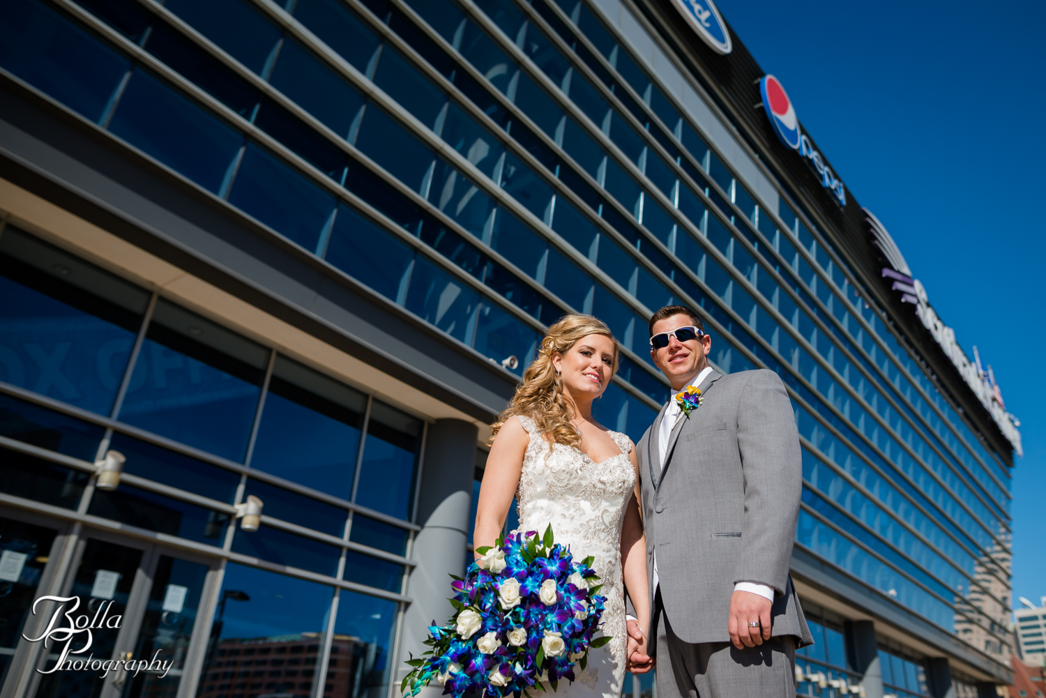 Bolla_Photography_St_Louis_wedding_photographer_Morgando_Blues_hockey_Botanical_Gardens_spring-0286.jpg