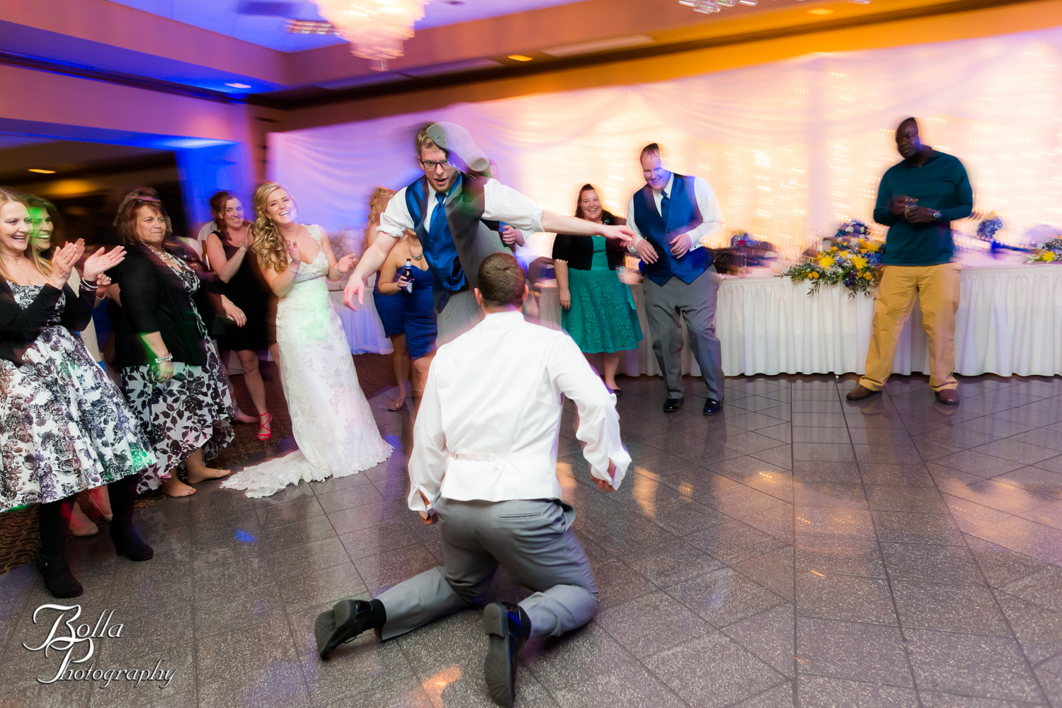 Bolla_Photography_St_Louis_wedding_photographer_Morgando_Blues_hockey_Botanical_Gardens_spring-0519.jpg
