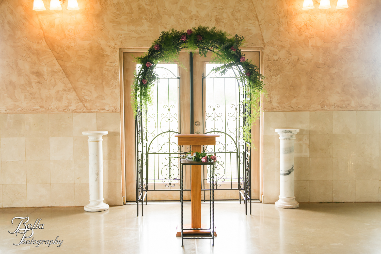 Bolla_Photography_St_Louis_wedding_photographer_Villa_Marie_Winery-0146.jpg