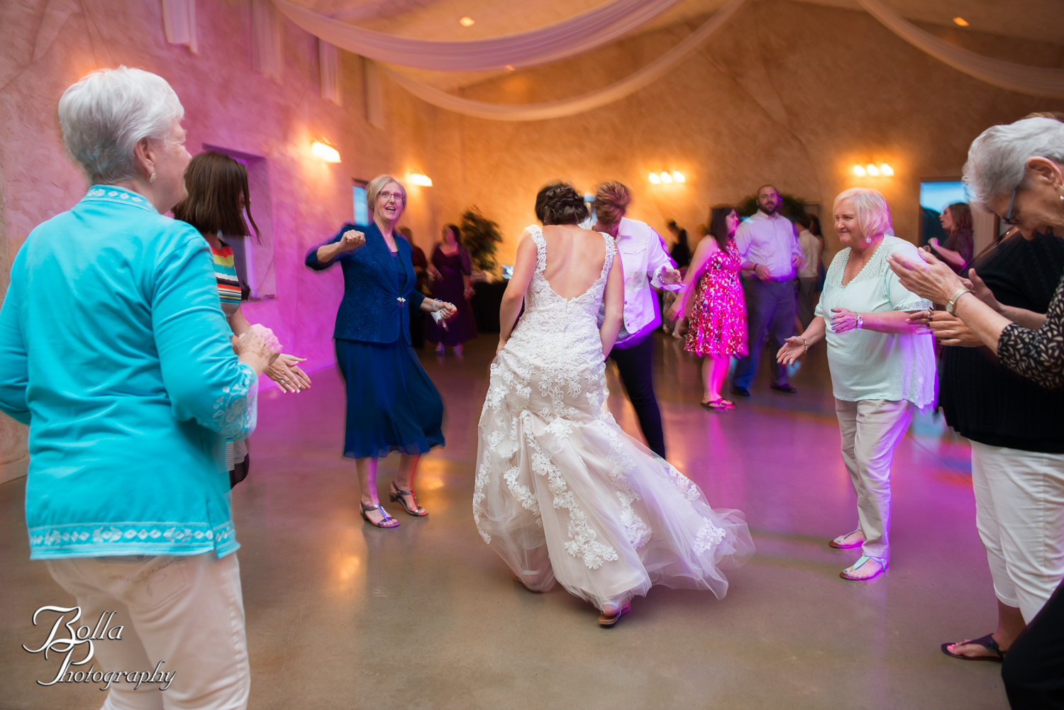 Bolla_Photography_St_Louis_wedding_photographer_Villa_Marie_Winery-0449.jpg