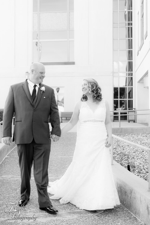 Bolla_Photography_St_Louis_wedding_photographer_Wildey_Theater_Edwardsville-0253.jpg