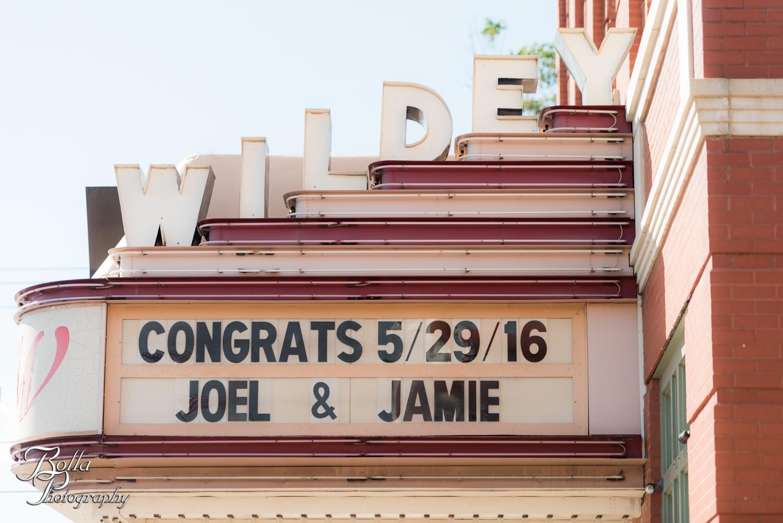 Bolla_Photography_St_Louis_wedding_photographer_Wildey_Theater_Edwardsville-0282.jpg