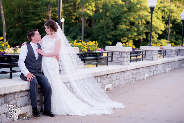 Bolla_Photography_St_Louis_wedding_photographer_Alton_IL__Baptist_Church-0441.jpg