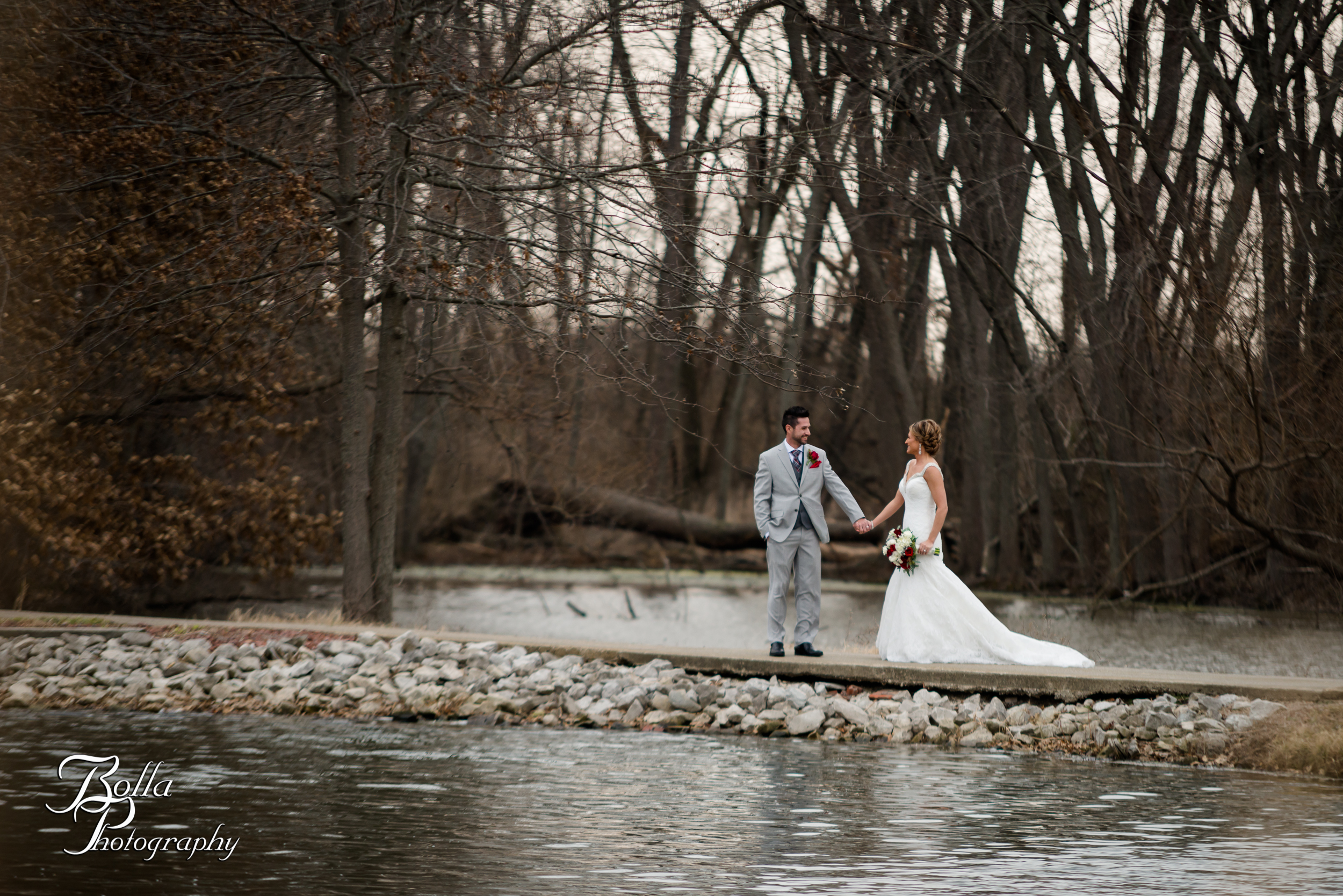 Bolla_photography_edwardsville_wedding_photographer_st_louis_weddings_highland_Allen_Warren_winter_red-0002.jpg