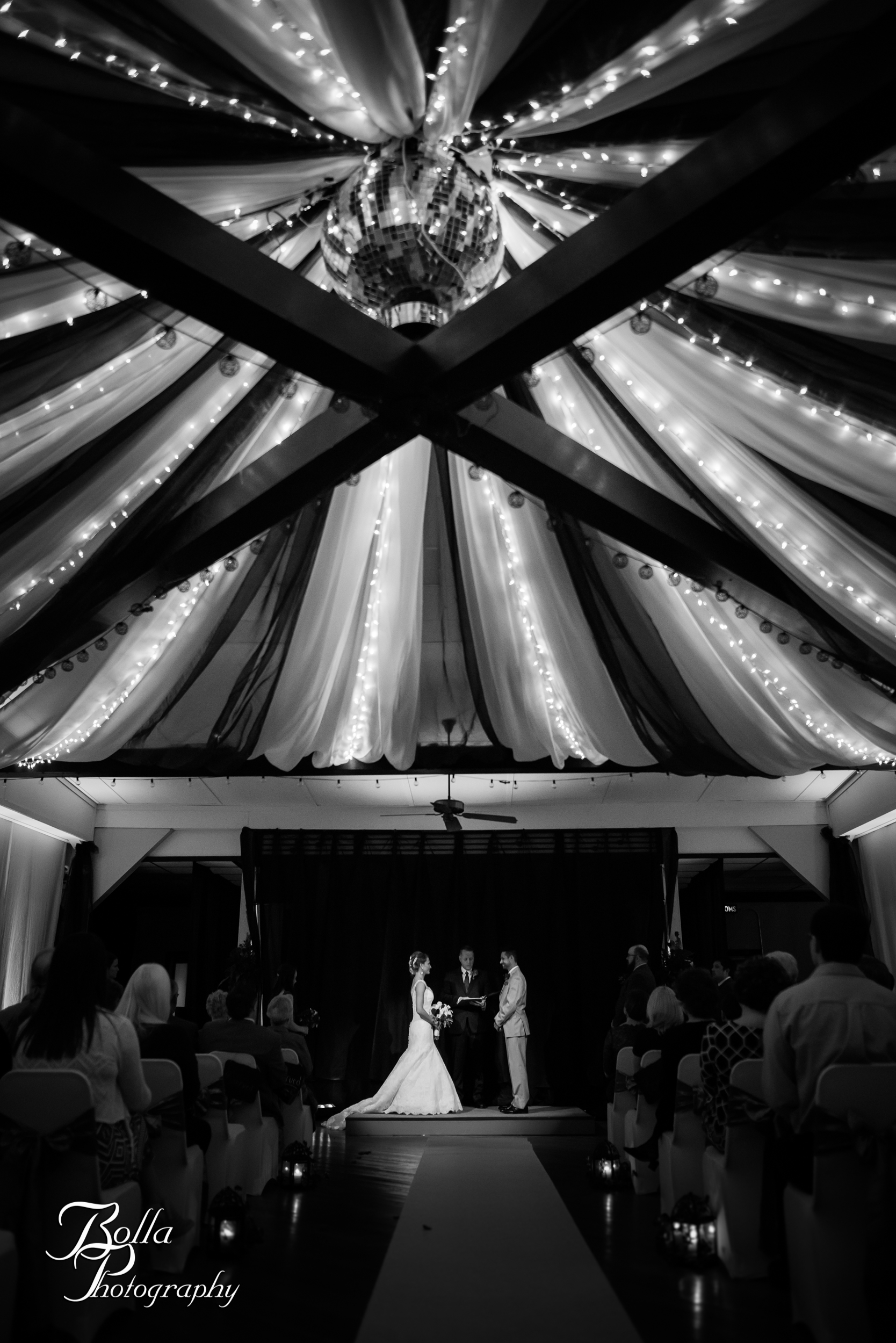 Bolla_photography_edwardsville_wedding_photographer_st_louis_weddings_highland_Allen_Warren_winter_red-0225.jpg
