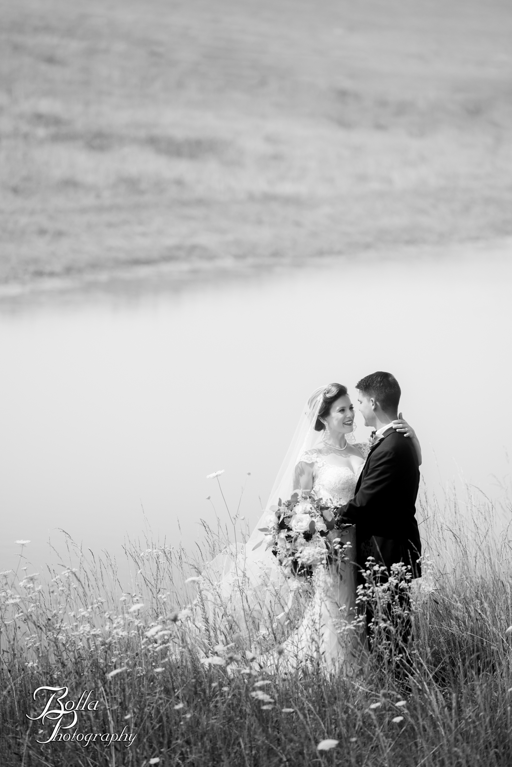 Bolla_photography_edwardsville_wedding_photographer_st_louis_weddings_Chaumette_winery_Mikusch-0231.jpg