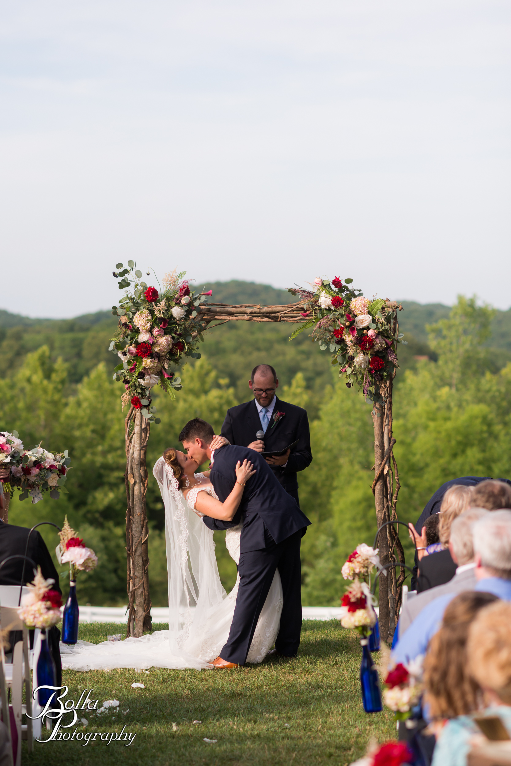 Bolla_photography_edwardsville_wedding_photographer_st_louis_weddings_Chaumette_winery_Mikusch-0415.jpg