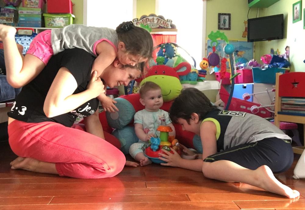 """""""Je peux jouer avec mes enfants sans douleur!""""  Photo : Véronique Désormeaux"""