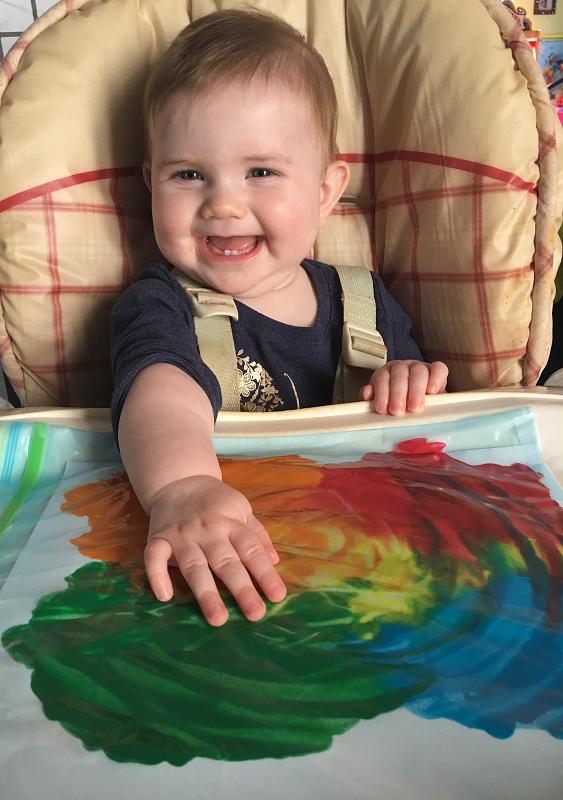 L'artiste est contente!  Toutes les photos (et le joli bébé) sont de Véronique Désormeaux
