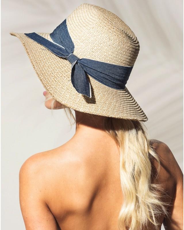 10. chapeau Bikini village.jpg